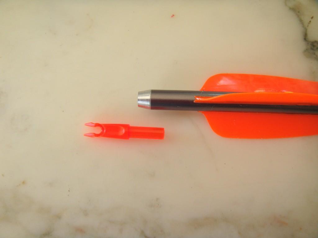 Encoche plastique à insérer dans tube